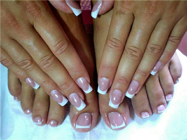 Manicure con french