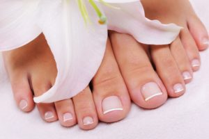 Pedicure con smalto Milano